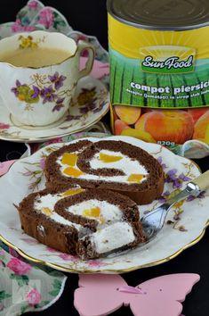 Rulada cu crema de branza si piersici - CAIETUL CU RETETE Tiramisu, Ethnic Recipes, Food, Eten, Tiramisu Cake, Meals, Diet