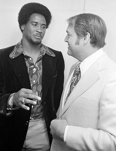 Lynn Swann and Chuck Noll 1974 Pitsburgh Steelers, Here We Go Steelers, Lynn Swann, Chuck Noll, But Football, Nfl History, Pittsburgh Sports, Steeler Nation, Professional Football