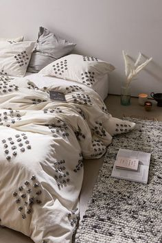 Shop duvet covers and sets at Urban Outfitters. Find bedding to match your style with white duvets, floral and boho inspired pieces.