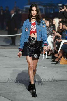 La modelo española Blanca Padilla ha sido una de las modelos elegidas por Tommy Hilfiger para presentar las colecciones Primavera 2017 de 'Hilfiger Collection' y 'TommyXGigi' en TOMMYLAND: el festival de moda de la Costa Oeste definitivo, con música, arte y creatividad inspirados en California.