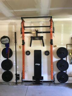 home gym design Home Gym Basement, Home Gym Garage, Diy Home Gym, Gym Room At Home, Garage Bench, Basement Ideas, Gym Setup, Mass Building, Foam Flooring