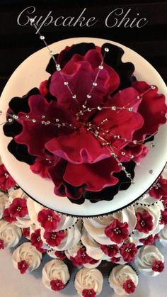 Red wine and black peony Cupcake Towers, Black Peony, Red Wine, Birthday Cake, Desserts, Food, Birthday Cakes, Meal, Deserts