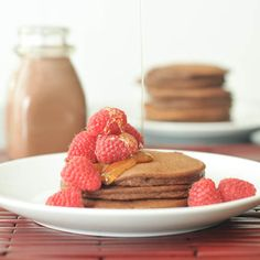 #Vegan Double Rich Chocolate Pancakes #dairyfree #recipe via @spabettie