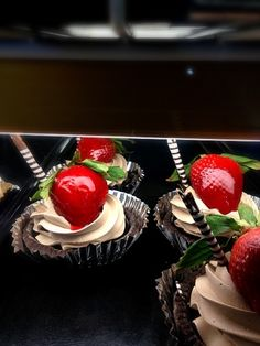 レシピとお料理がひらめくSnapDish - 41件のもぐもぐ - Strawberry Chocolate tart by yuk
