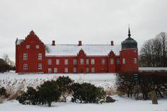 Løvenborg slot og gods 8 km sydvest for Holbæk