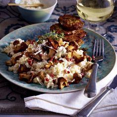 Pfifferlingsrisotto zu Parmesan-Thymian-Schnitzelchen Rezept | LECKER