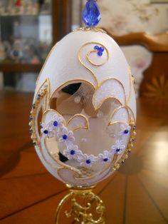 Engagement egg, backside