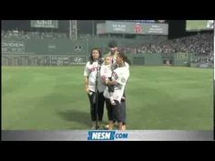 Four Year Old Darla Holloway Sings 'God Bless America' During Red Sox Game 8/27/13 - NESN Super cute!