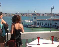 Dieci cose da fare a Venezia in agosto, anzi undici, tra cinema, teatro, nightlife, musica, aperitivi, feste, sport e divertimento