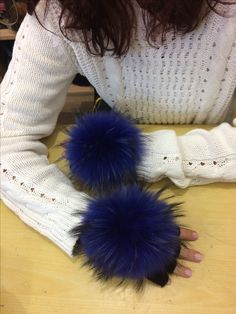 Gloves with blue furs!