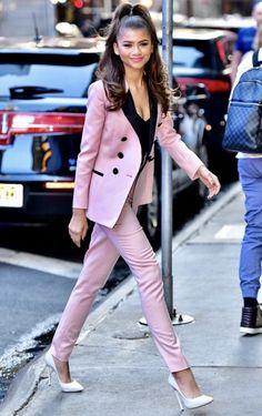 3c10d32bbef Zendaya in NYC v jordydior Zendaya Fashion