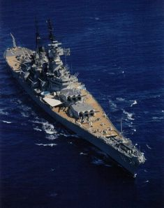 Battleship New Jersey underway for Pearl Harbor, Hawaii, United States, 9 September 1968. http://wrhstol.com/2GDTs4A