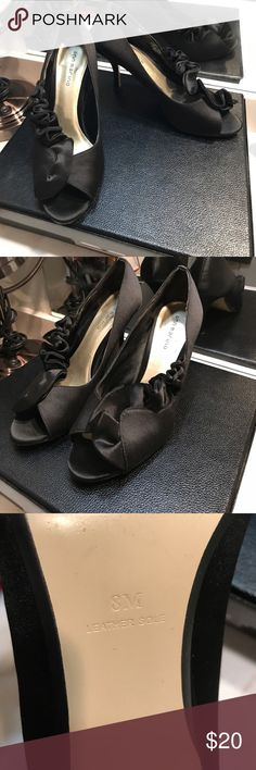 Black ruffle heels 8 Beautiful and classic black heels size • purchased at Nordstrom   8 Shoes Heels