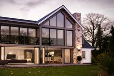 Stuart and Elmarie Ward have created an impressive contemporary family home on a budget thanks to a radical rejig of their dated bungalow Brook House, Farmhouse Architecture, Bungalow Renovation, Cedar Homes, Bungalow Homes, Modern Style Homes, Luxury Homes Dream Houses, Dream House Exterior, House Extensions