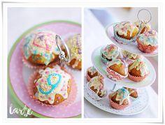 Kolorowe muffinki urodzinowe