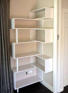 25 Ideas Closet De Madera Esquineros For 2019 Corner Bookshelves, Bookshelf Design, Bookcase, Home Decor Furniture, Diy Home Decor, Home Room Design, House Rooms, Home Projects, Bedroom Decor