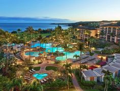 How the four of us traveled to Maui for less than Hawaii vacation. Hawaii on a Budget. How to save money on your travels. Hawaii Resorts, Maui Hotels, Best Resorts, Hawaii Vacation, Hotels And Resorts, Dream Vacations, Hilton Hotels, Hawaii Travel, Hotels In Hawaii
