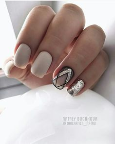Matte ivory nails with silver glitter and black negative space design. Matte Nails, Glitter Nails, Fun Nails, Pretty Nails, Glitter Makeup, Silver Glitter, Shellac Nails, Black Sparkle, Black Silver