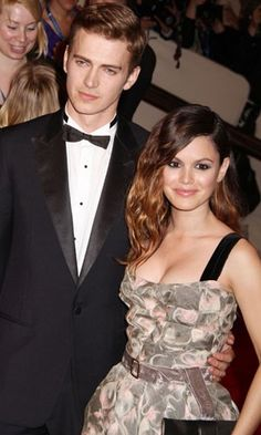 Rachel Bilson and Hayden Christensen! They are such a cute couple!