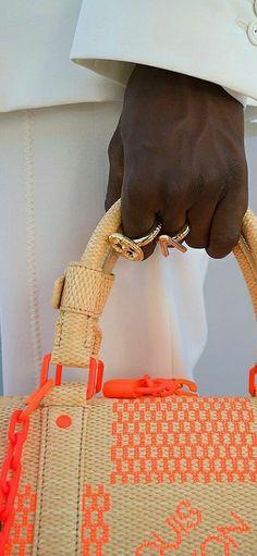 Louis Vuitton Accessories, Straw Bag, Burlap, Reusable Tote Bags, Lady, Hessian Fabric, Jute, Canvas