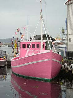 Pink fishing boat - Bergen, Norway.