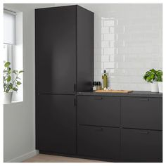 KUNGSBACKA Door, anthracite, Design on the environment's terms. We made this durable kitchen door out of recycled materials to save on the earth's resources and to create a modern style that is easy to like. Kitchen Doors, Ikea Kitchen, Kitchen Interior, Kitchen Island, Modern Grey Kitchen, Grey Kitchen Designs, Design Your Kitchen, Black Kitchens, Cool Kitchens