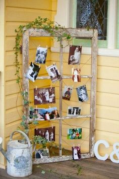 country wedding family tree wedding decor / http://www.himisspuff.com/ideas-to-display-wedding-photos/9/