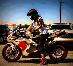 ❤️ Women Riding Motorcycles ❤️ Girls on Bikes ❤️ Biker Babes ❤️ Lady Riders ❤️ Girls who ride rock ❤️TinkerTailorCo ❤️ ❤️ Ducati 848, Lady Biker, Biker Girl, Motos Sexy, Course Moto, Women Riding Motorcycles, Chicks On Bikes, Hot Girls, Custom Sport Bikes