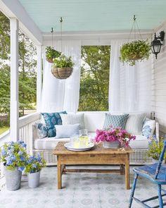 Adorable 70 Rustic Farmhouse Front Porch Decorating Ideas #farmhouse #Front #porch #Rustic