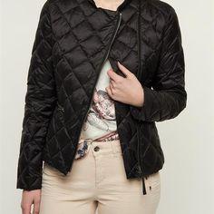WOOLRICH W'S DOWN SWEATER ZWART Dames. Een stoer, gewatteerd jasje van het merk Woolrich.