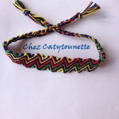 Des zigs-zags multicolores pour ce bracelet brésilien