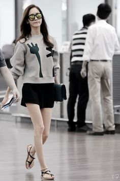 "SNSD Airport Fashion Outfit Always Cute as well! - Girls' Generation took a short break after ""Party"" promotions, Snsd Airport Fashion, Snsd Fashion, Asian Fashion, Girl Fashion, Fashion Outfits, Fashion Trends, Yoona Snsd, Korean Celebrities, Airport Style"