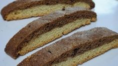 Black&White Biscotti (di Re Artù) Biscotti Cookies, Dog Treats, Hot Dog Buns, Banana Bread, Food And Drink, Cooking, Desserts, Mamma, Latte