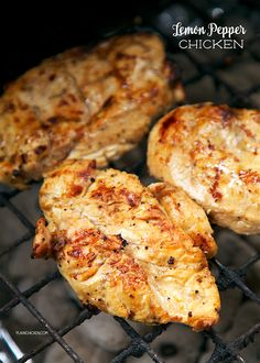 Lemon Pepper Chicken - This chicken is CRAZY delicious! Only 5 ingredients! SO simple! olive oil, lemon juice, Worcestershire sauce, lemon p. Grilling Recipes, Meat Recipes, Cooking Recipes, Yummy Recipes, Grilling Tips, Supper Recipes, Juice Recipes, Recipies, Healthy Recipes