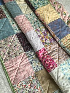Look at our web-site for even more all about this unbelievable black and white quilts Scrappy Quilts, Easy Quilts, Denim Quilts, Nine Patch, Patchwork Patterns, Quilt Patterns, Black And White Quilts, Doll Quilt, Quilt Sizes