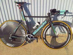 . Bicycle Race, Bike Run, Paint Bike, Trial Bike, Bicycle Design, Road Bikes, Courses, Cycling, Triathlon Bikes