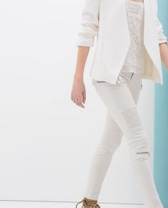 0888bfa3d6b73 ZARA - NEW THIS WEEK - SKINNY TROUSERS WITH SEAMS AND ZIPS White Skinnies