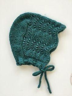 Havskumkyse pattern by Nunnun - Knit Hat 3 Baby Knitting Patterns, Baby Hats Knitting, Knitting For Kids, Knitting For Beginners, Baby Patterns, Knitting Projects, Hand Knitting, Baby Hat Knit, Baby Knits