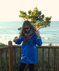 Blue Raincoat, Pvc Raincoat, Raincoat Jacket, Rainy Day Fashion, Plaid Blanket Scarf, Rain Wear, Passion For Fashion, Outfit Of The Day, Winter Outfits