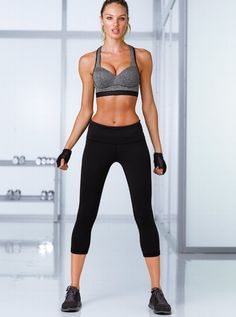 Shop sportswear bottoms today to find sexy styles in leggings, yoga pants, joggers, shorts and more! Find the style that's right for you, only at Victoria Sport. Workout Attire, Workout Wear, Workout Outfits, Workout Capris, Workout Fitness, Sport Fashion, Fitness Fashion, Fitness Outfits, Fitness Wear