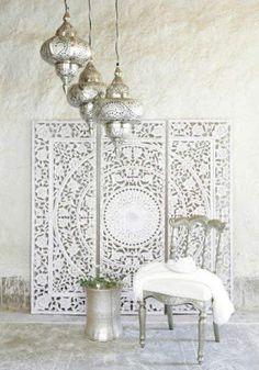 DIY Moroccan-Style Wall Stencil Tutorial - Renewed House - Home Decor Ideas Modern Moroccan Decor, Morrocan Decor, Moroccan Interiors, Moroccan Design, Modern Decor, Moroccan Lanterns, Moroccan Wall Art, Moroccan Bedroom Decor, Morrocan Bathroom