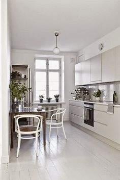 my scandinavian home: Search results for white kitchen Eat In Kitchen, Kitchen Dining, Kitchen Decor, Dining Room, Kitchen White, Urban Kitchen, Floors Kitchen, Minimal Kitchen, Stylish Kitchen