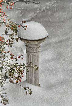 Snow art on our sundial Winter Szenen, I Love Winter, Winter Magic, Winter White, Winter Season, Winter Christmas, Magical Christmas, Thanksgiving Holiday, Christmas Decor