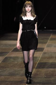 See the complete Saint Laurent Fall 2013 Ready-to-Wear collection.