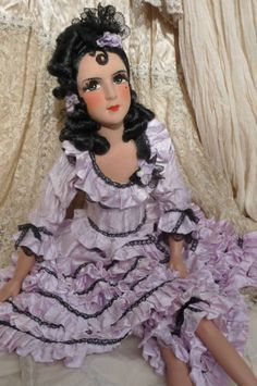ANTIQUE-FRENCH-BOUDOIR-DOLL-PARIS-C1920-FASHION-DOLL-LADY-SILK-LACE