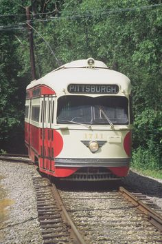 downtown pittsburgh with trolleys | If only trolleys still ran between Pittsburgh and Washington ...