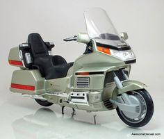 Road Signature 1:10 Honda Gold Wing Motorcycle