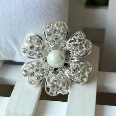 Find More Brooches Information about NEW wedding pearl brooches free shipping brooch beautiful design jewellry  12pcs/lot/Brooch Wedding Bouquet B1460,High Quality Brooches from Gem-Mart Store on Aliexpress.com