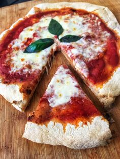 Mary Berry, Pizza Au Levain, Pizza Recipes, Vegan Recipes, Chicken Margherita, Pain Pizza, Vegan Pizza, Pizza Dough, Grilled Chicken