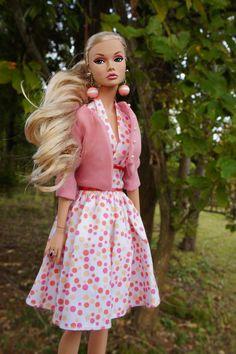 Fashion Royalty Dolls, Fashion Dolls, Girl Fashion, Barbie Dress, Barbie Clothes, Barbie Summer, Poppy Doll, Pink Doll, Poppy Parker